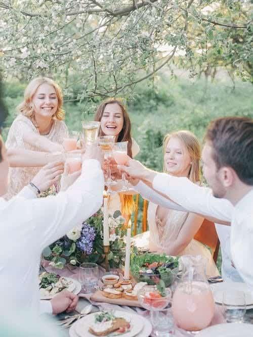 Como ayudar a un amigo a planificar su boda •