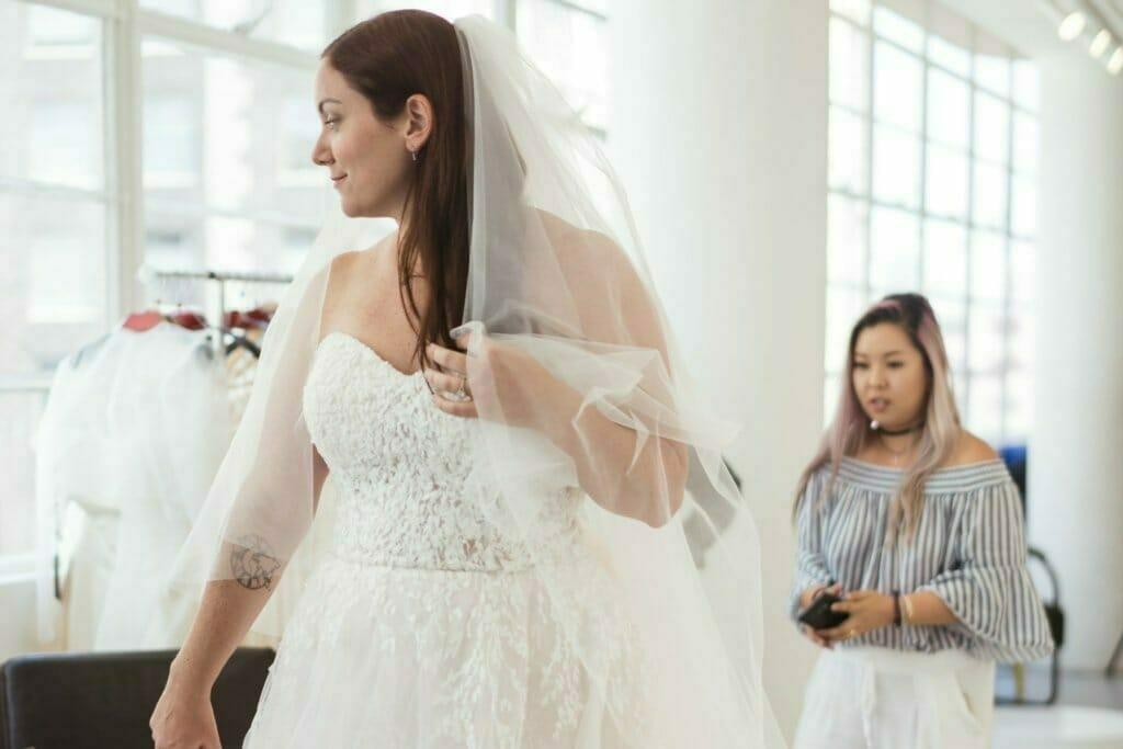 7 trucos para evitar que su vestido de novia sin